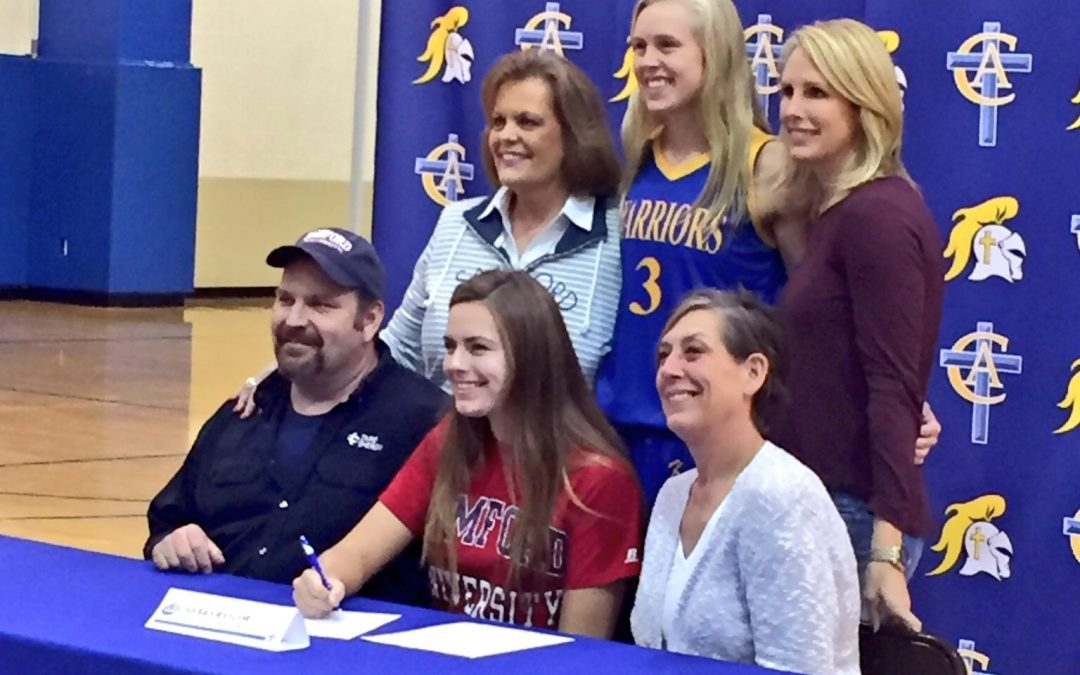 Sierra Rayzor Signs to Play Volleyball at Samford University
